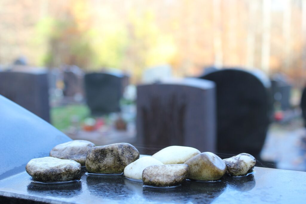 rocks resting on family Houston jewish monument